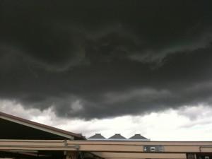 Nubes negras en el Aeropuerto de Málaga
