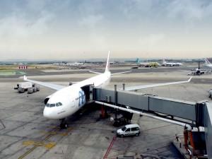 Aviones en terminal